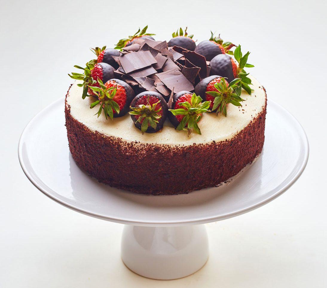 Chocolate cake with strawberries - san Francisco